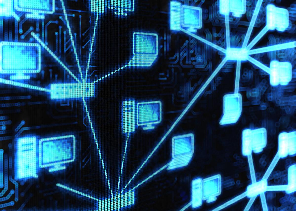diagram to show desktop as a service versus virtual desktop infrastrutures